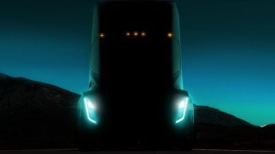 Tesla unveil fully electric HGV