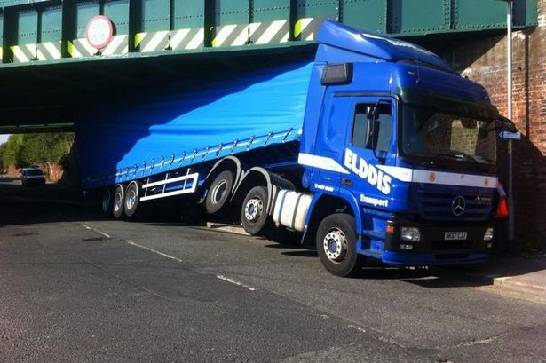 Lorry-stuck-under-a-bridge.jpg