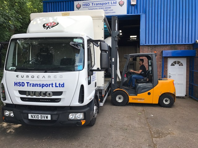 7.5T Truck and forklift