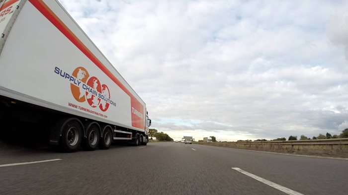 supply-chain-lorry-driving