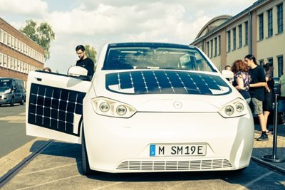 Solar-powered vehicles to debut in Europe