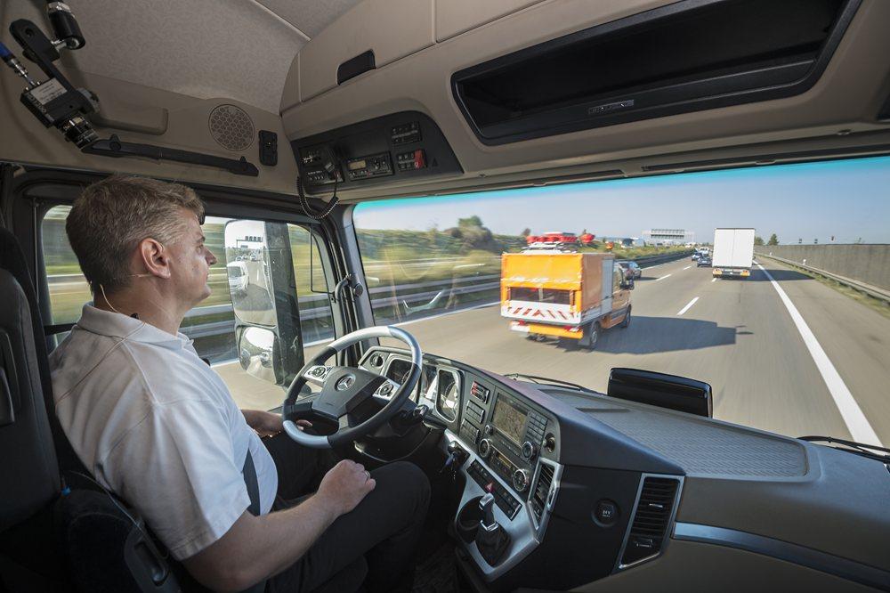 Driverless-trucks-driver-1.JPG