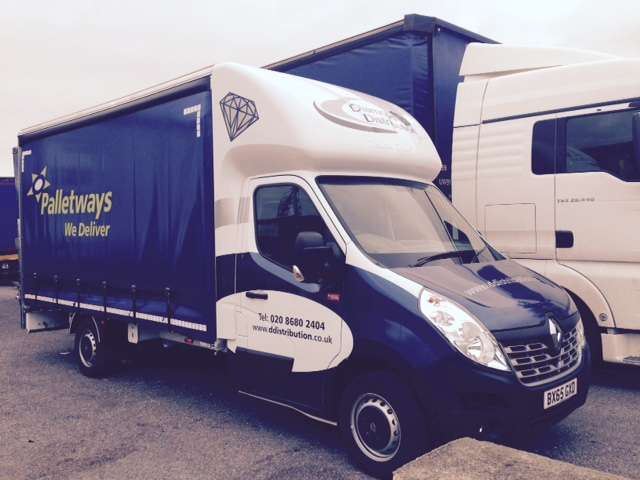 Renault Master / Curtainsiders / Tail lifts