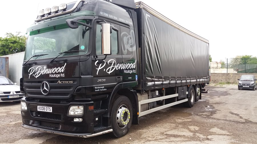 26 tonne curtainsider
